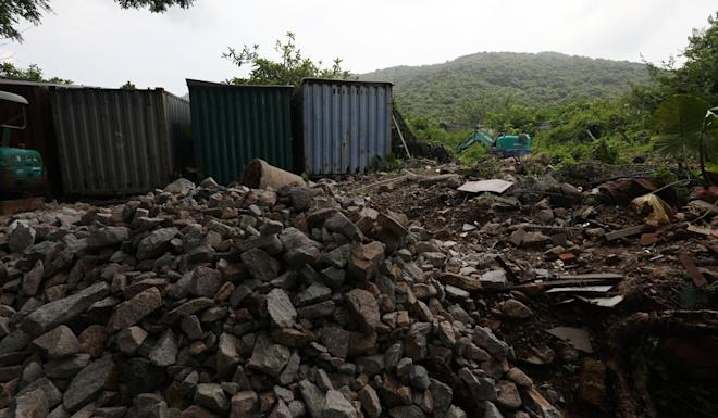 An example of rubble and waste dumped on a lot at Pui O, Lantau Island. Photo: Xiaomei Chen