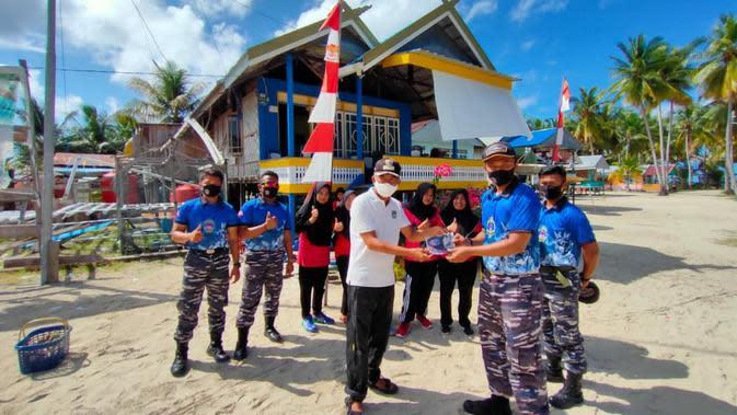 Sasar Pulau Terluar Sulbar, Lanal Mamuju Ajak Warga Taati Protokol Kesehatan