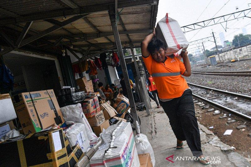 J&T Express sebut lonjakan pengiriman paket 40 persen selama pandemi
