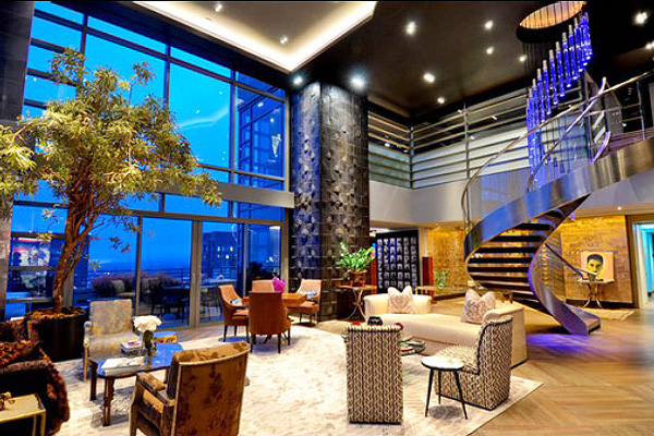 Top celebrity home palatial luxury penthouses for sale for Penthouses in los angeles