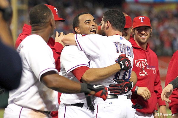 ALCS Game 2: Cruz's slam gives Rangers a grand ending