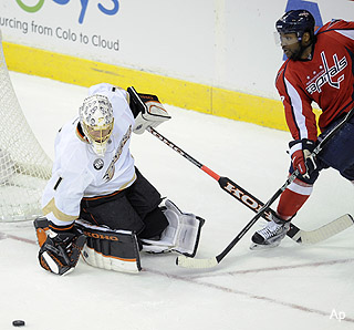 Things could have gone better for Jonas Hiller in Washington