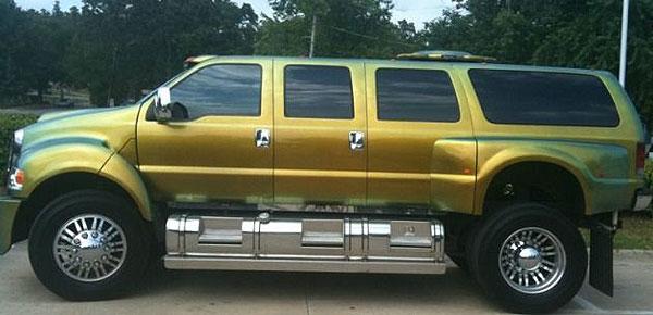 Everyone look at Joe Johnson's giant truck