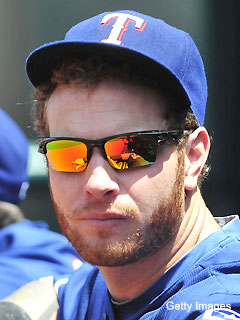 Josh Hamilton says blue eyes cause daytime woes at plate