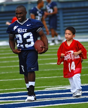 Rice walk-on packs big heart into college football's smallest frame