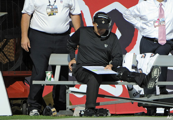 Saints coach Sean Payton's leg is wrecked on sideline
