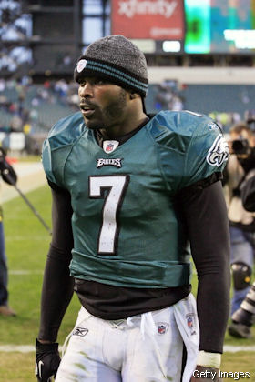 Michael Vick played Sunday with two broken ribs
