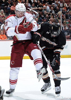 Sunday's Three Stars: Hanzal powers Coyotes, Hiller pulled