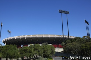 Two fans shot outside Candlestick Park following 49ers-Raiders game