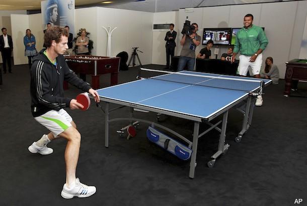 During rain delay, Murray and Tsonga duel on the ping pong table