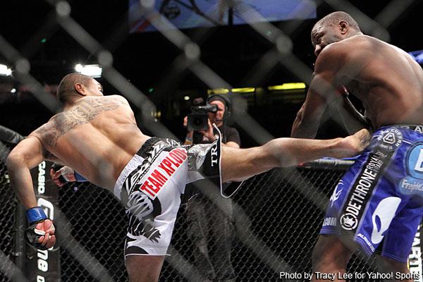 UFC on Fox controversy: Peralta and Semerzier clash heads, TKO win goes to Peralta