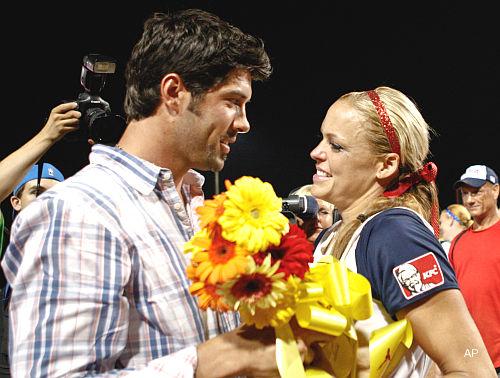 Oh, baby! Softballer Jennie Finch welcomes a son — Diesel