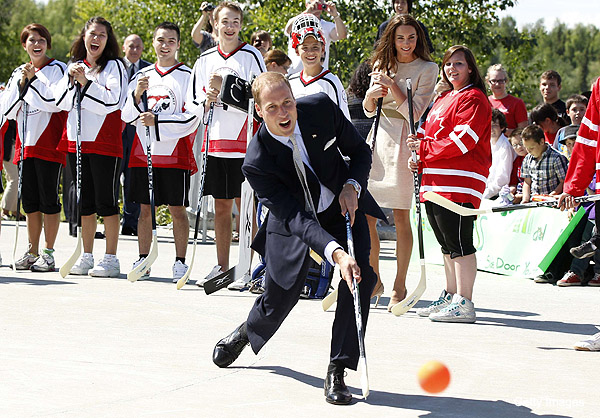 Kate Middleton nearly plays street hockey, races Dragon Boat with Adam McQuaid of the Boston Bruins
