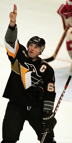 Jagr's NHL return on track; Pens, Wings, mystery team in mix