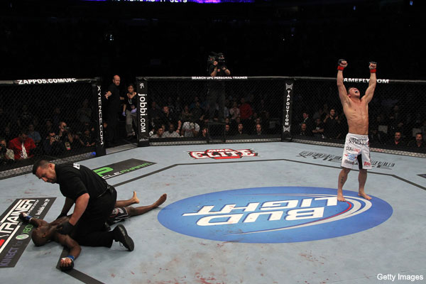 Stout scores possible KO of Year on Edwards at UFC 131