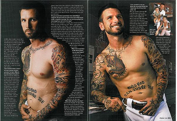 'Tatman': Roberts covers D-backs on field, himself with tattoos