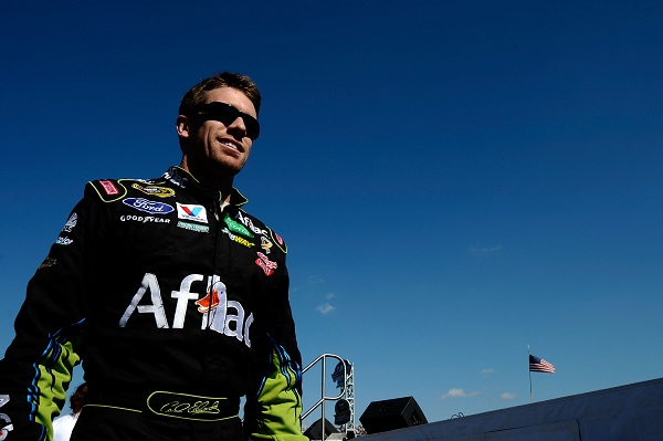Carl Edwards keeps on keepin' on, and it could win him a Cup