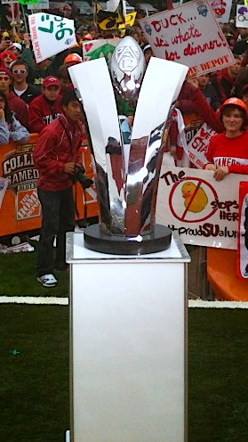 Pac-12 debuts new championship trophy in all its artistic glory