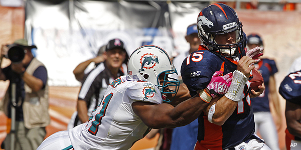 Dolphins players claim bad personnel choices on Tebow two-point conversion