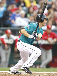 Dustin Ackley gets off to a solid start in Seattle