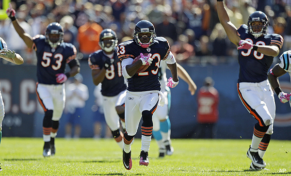 Devin Hester breaks NFL record for punt return TDs with second-quarter score vs. Panthers
