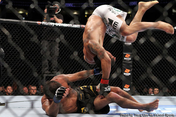 Mendes wrestles way to another win at UFC 133