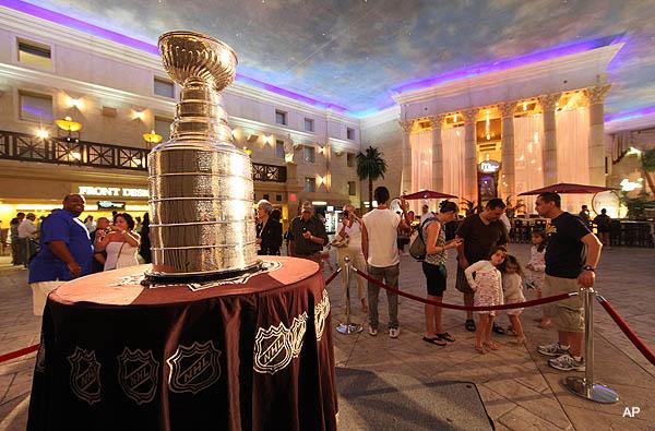 Puck Headlines: NHL ownership headaches; Doughty/Kings talk