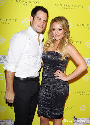 Mike Comrie, Mr. Mom? Hilary Duff is pregnant