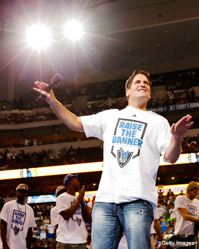 With free agents fleeing, Mark Cuban encourages everyone to cool out