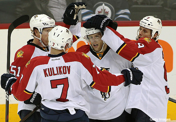Thursday's Three Stars: First-place Panthers; big Avs rally
