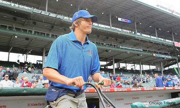 Kyle Korver spent a day as a Wrigley Field groundskeeper