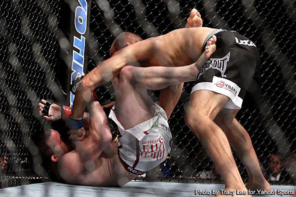 Hamman overwhelms Dollaway at UFC on Versus 5