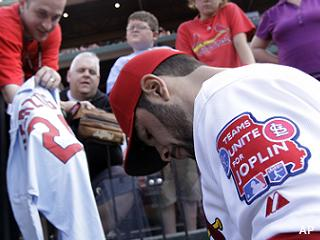 Cardinals, Royals team up to support Joplin tornado victims
