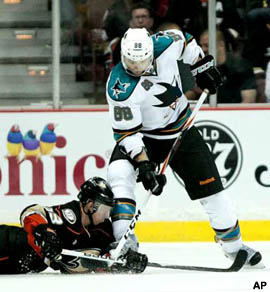 Video: Jason Blake stepped on by Brent Burns, suffers 'severe' cut