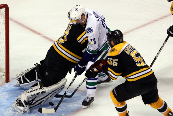 Vancouver says this Tim Thomas aggression will not stand
