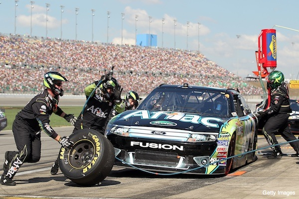 Carl Edwards' incredible rally at Kansas nets him the points lead