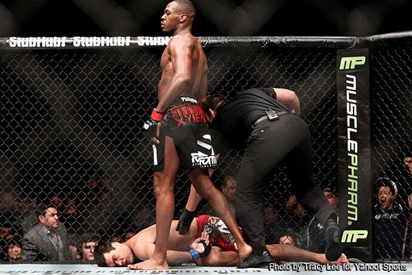 Jon Jones wins the chess match, puts Lyoto Machida to sleep to defend his title at UFC 140