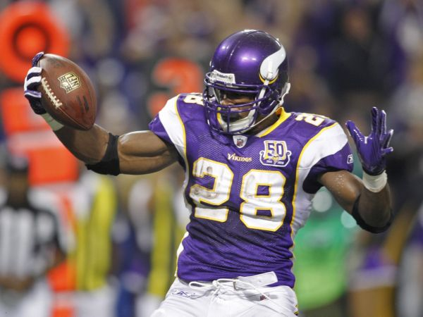 Injury Wrap: Waiting game for Adrian Peterson, Jeremy Maclin
