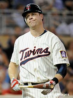 'Mild' concussion symptoms return for Twins' Justin Morneau