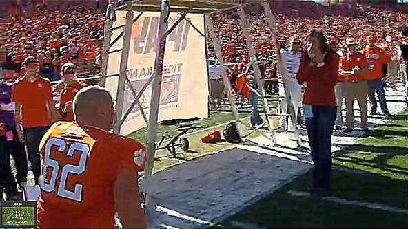 Clemson lineman gets engaged on senior day