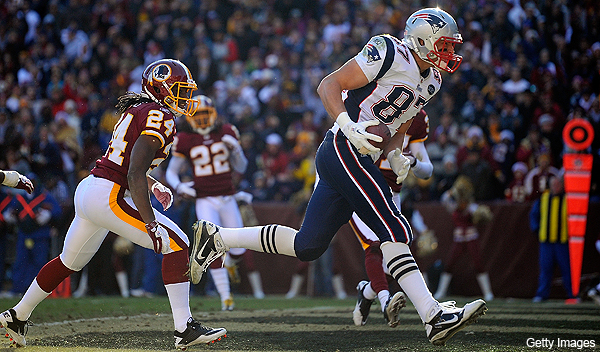 Rob Gronkowski sets touchdown record for tight ends, makes ridiculous catches as well