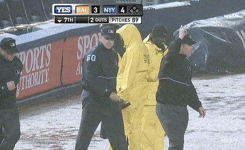 Yankee Stadium all wet on proper replay angle for Cervelli homer