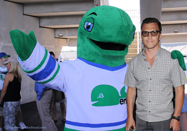 After being cut by the Rangers, Sean Avery is a Whale