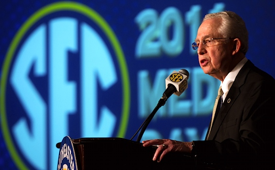 SEC commish: Let's make it significantly harder to qualify in the SEC