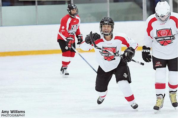 Can 40 women set Guinness world record for longest hockey game?