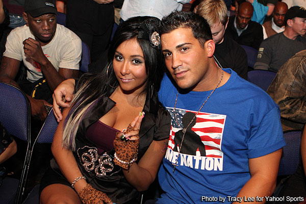 Snooki attends UFC on Versus 6, 'Jersey Shore' diva's fighter friend loses