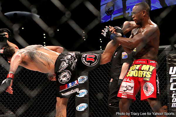 Tony Ferguson ekes out decision over Yves Edwards at TUF 14 finale