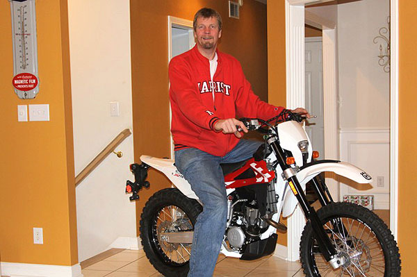 Rik Smits finds a home away from hoops … on a dirt bike?