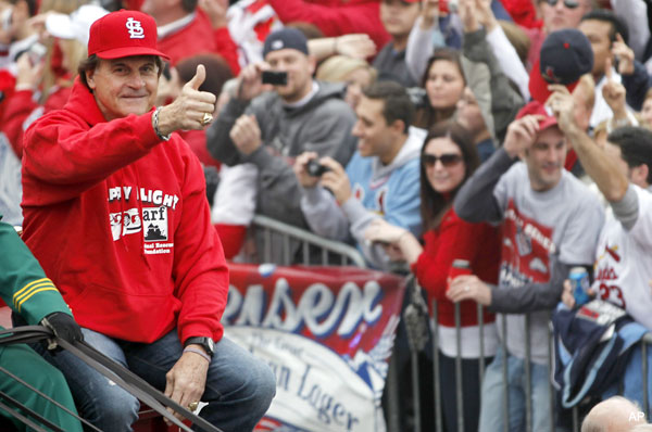 Tony La Russa goes out on top, announces retirement from Cards