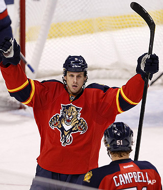 Monday's Three Stars: Panthers, Bruins rule; quality Phaneuf'ing